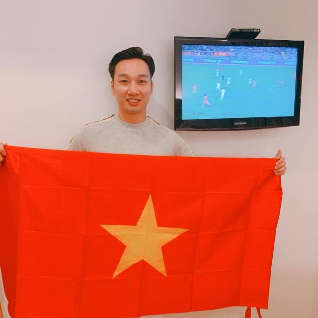 Nghệ sĩ Việt vỡ oà, nghẹn ngào khi U22 Việt Nam đoạt HCV SEA Games  - 9