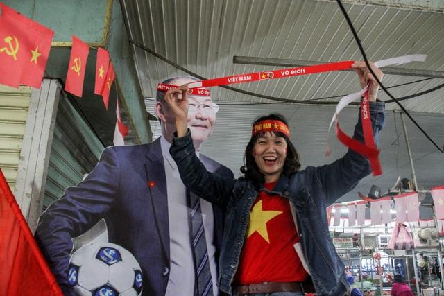 Vỡ òa với 3 bàn thắng của Văn Hậu, Hùng Dũng - 22