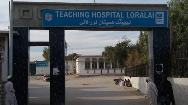 Y tá bắt cóc một trong hai bé sinh đôi ngay từ phòng sinh - 1