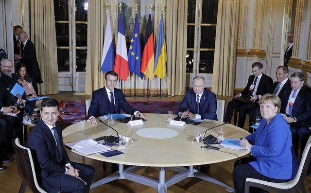 Cuộc gặp đầu tiên Putin - Zelensky kéo dài 8 giờ tại Paris - 1