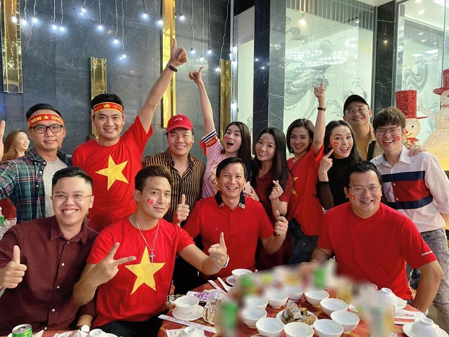 Sao Việt vỡ oà trước chiến thắng của U22 Việt Nam tại SEA Games 30 - 16