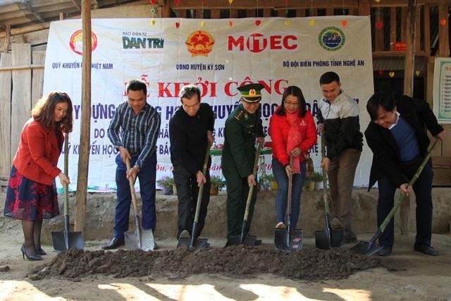 Báo Dân trí khởi công xây dựng trường Mầm non sát biên giới Việt - Lào - 2