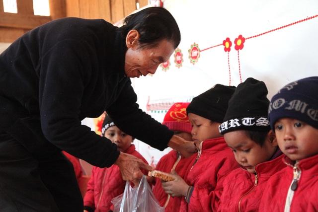 Báo Dân trí khởi công xây dựng trường Mầm non sát biên giới Việt - Lào - 9
