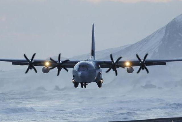 Máy bay quân sự ngựa thồ Chile chở 38 người mất tích  - 1