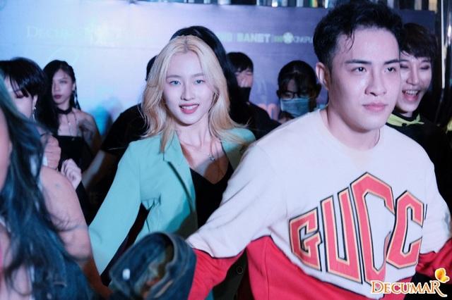 Hàng loạt nhóm nhảy quẩy hết mình tại sự kiện Music Core Vietfans Festival K-Pop 2019 - 4