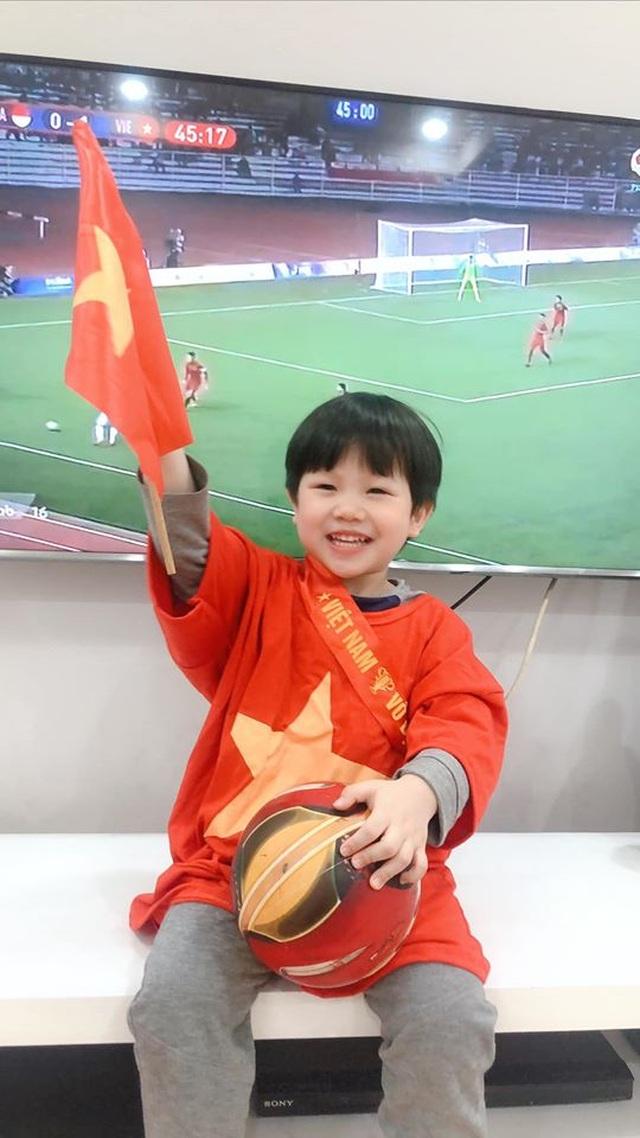 Sao Việt vỡ oà trước chiến thắng của U22 Việt Nam tại SEA Games 30 - 11