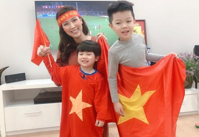 Sao Việt vỡ oà trước chiến thắng của U22 Việt Nam tại SEA Games 30 - 10