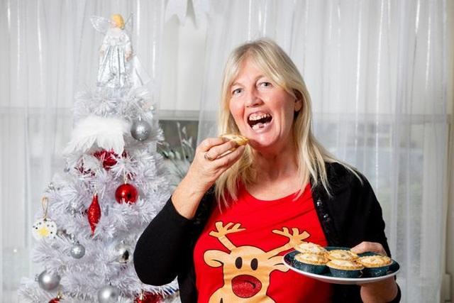 Ăn một chiếc bánh, nuốt mất luôn 2 răng giả - 3