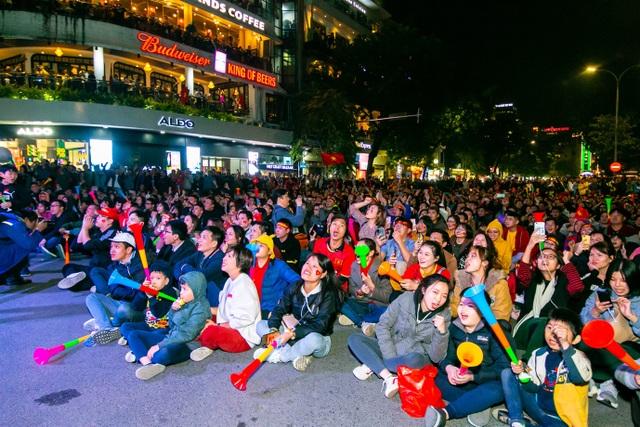 Tối nay, Hà Nội mở đại tiệc bóng đá trước nhà hát lớn, chờ U22 bất bại rinh vàng lịch sử! - 7
