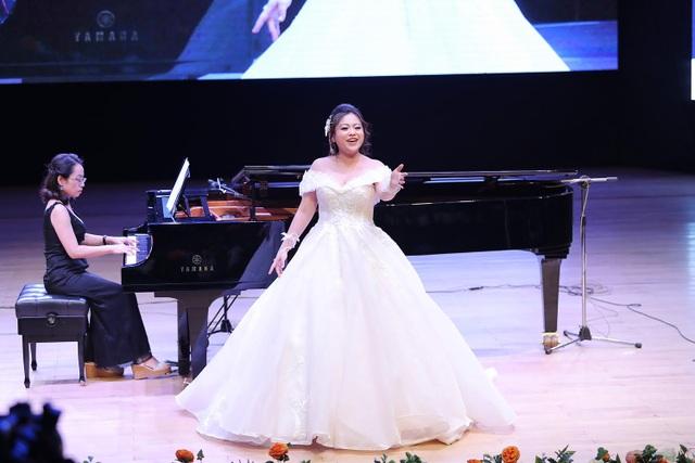 Nguyễn Đoàn Thảo Ly sẽ trở thành ngôi sao opera trong tương lai? - 1
