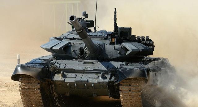 Video siêu tăng T-72B tả xung hữu đột diệt mục tiêu - 1
