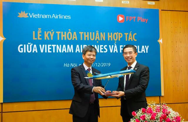 Vietnam Airlines triển khai ứng dụng FPT Play trên chuyến bay nội địa - 1