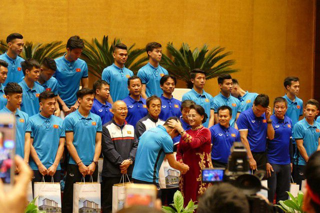 Từ Nga, Chủ tịch Quốc hội gửi thư chúc mừng đội tuyển U22 Việt Nam - 1