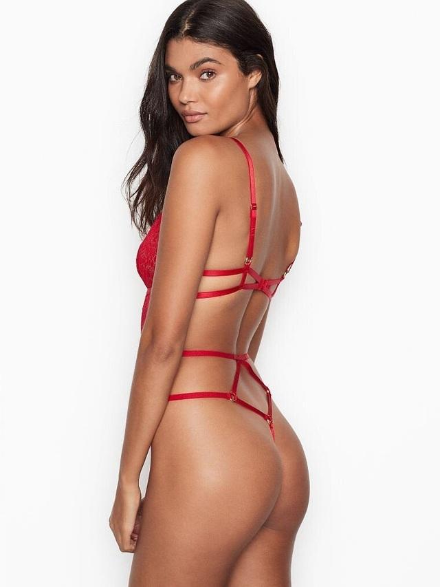 Daniela Braga bốc lửa với nội y - 8