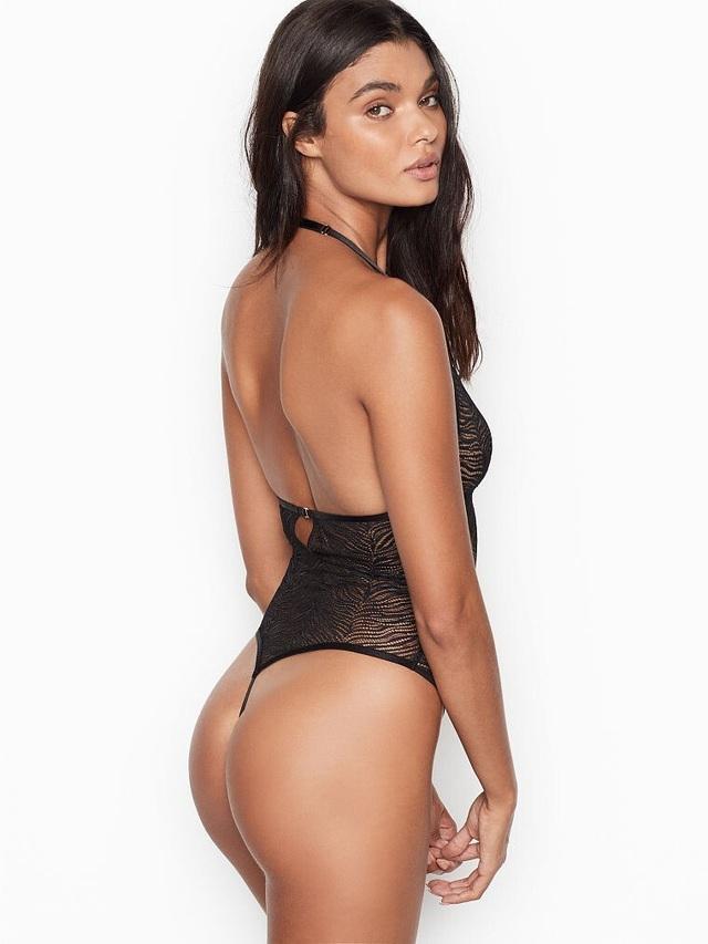 Daniela Braga bốc lửa với nội y - 10