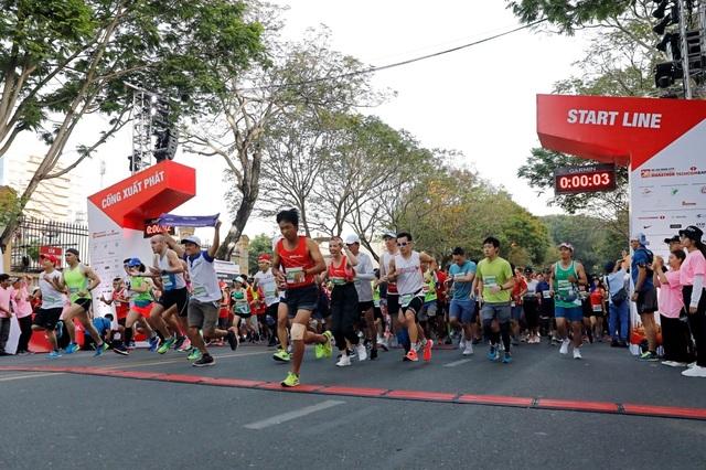 Li-Ning đồng hành cùng 13.000 VĐV tại giải đua lớn nhất Việt Nam - Giải Marathon Quốc tế TP. Hồ Chí Minh Techcombank 2019 - 1