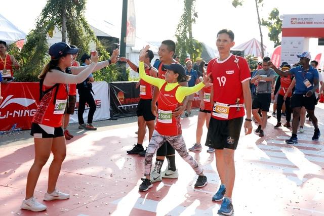 Li-Ning đồng hành cùng 13.000 VĐV tại giải đua lớn nhất Việt Nam - Giải Marathon Quốc tế TP. Hồ Chí Minh Techcombank 2019 - 6