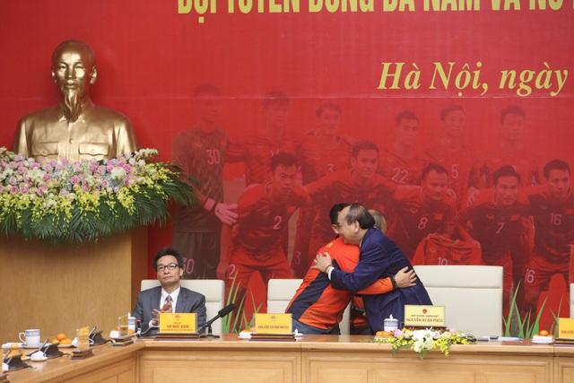 Thủ tướng: Sau các cầu thủ là cả dân tộc, là bản lĩnh, khát vọng Việt Nam - 12