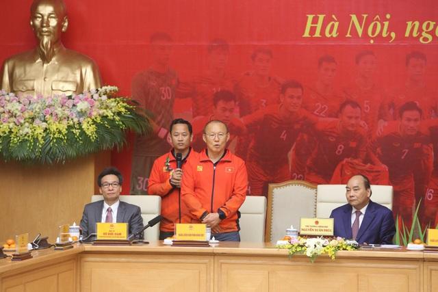 Thủ tướng: Sau các cầu thủ là cả dân tộc, là bản lĩnh, khát vọng Việt Nam - 15