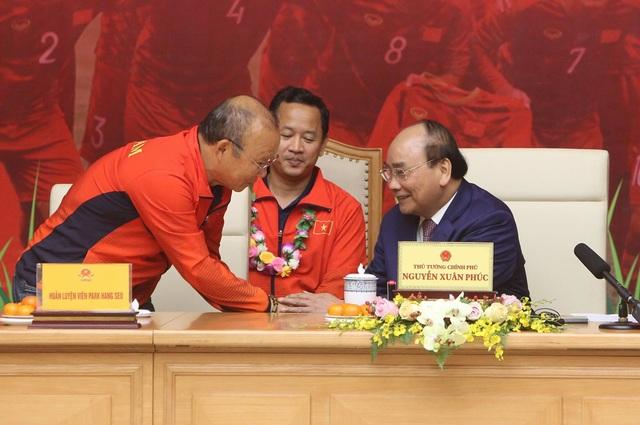 Thủ tướng: Sau các cầu thủ là cả dân tộc, là bản lĩnh, khát vọng Việt Nam - 14
