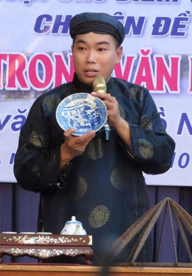 Hồ Nhựt Quang: Từ hướng dẫn viên du lịch đến diễn giả văn hóa - 1