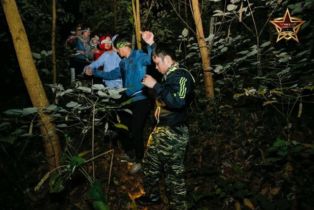 Học viên thăng hoa cảm xúc sau khóa huấn luyện đặc biệt Wake Up Leader Camp - 2