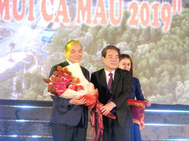 Thủ tướng dự lễ khánh thành Cột cờ Hà Nội tại Mũi Cà Mau - 2