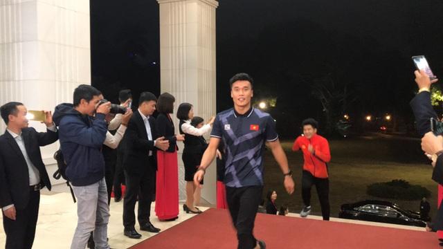 Thủ tướng: Sau các cầu thủ là cả dân tộc, là bản lĩnh, khát vọng Việt Nam - 32