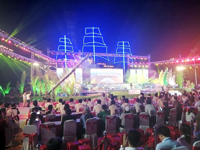 Thủ tướng dự lễ khánh thành Cột cờ Hà Nội tại Mũi Cà Mau - 4