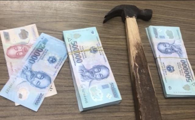 Một đối tượng khai 6 lần đập cửa kính ô tô, trộm 400 triệu đồng - 2