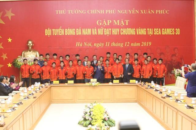 Thủ tướng: Sau các cầu thủ là cả dân tộc, là bản lĩnh, khát vọng Việt Nam - 6