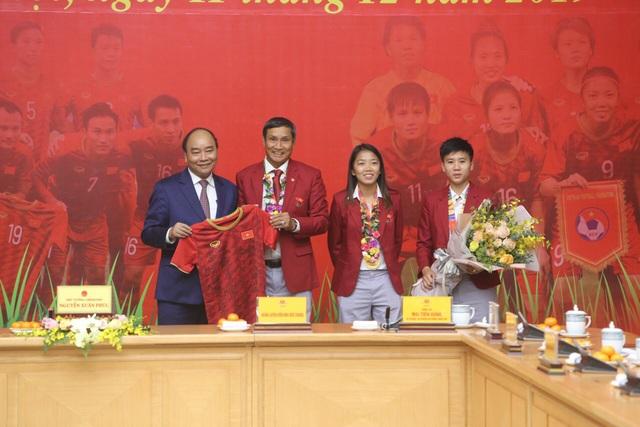 Thủ tướng: Sau các cầu thủ là cả dân tộc, là bản lĩnh, khát vọng Việt Nam - 7