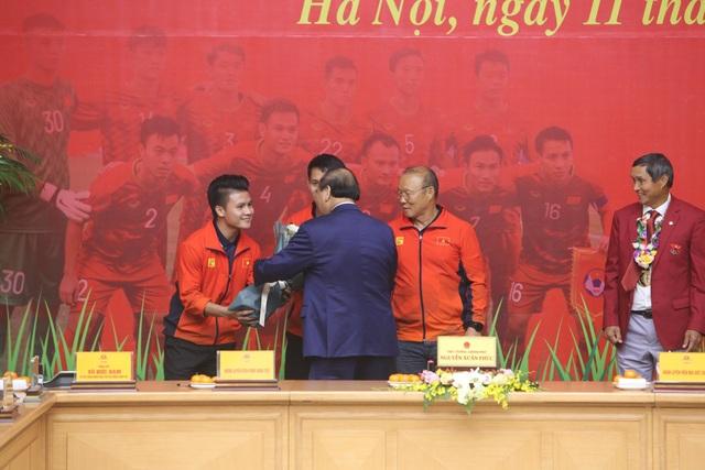Thủ tướng: Sau các cầu thủ là cả dân tộc, là bản lĩnh, khát vọng Việt Nam - 4
