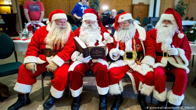 Dịch vụ đóng giả ông già Noel vào mùa kiếm bộn tiền tại Mỹ - 1