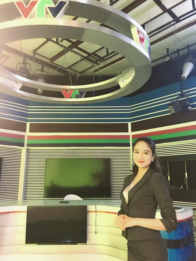 Hoa khôi Sinh viên 2018 trở thành biên tập viên truyền hình - 3