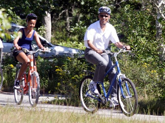 Rời Nhà Trắng, thu nhập khủng của cựu Tổng thống Obama đến từ đâu? - 11