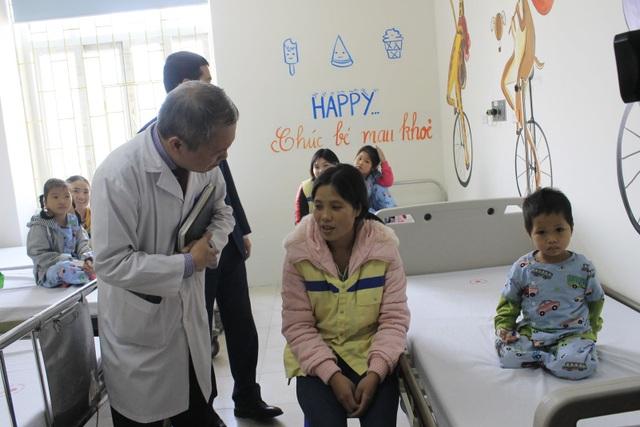 Lần đầu tiên có khoa Tim mạch trẻ em tại bệnh viện đa khoa - 2