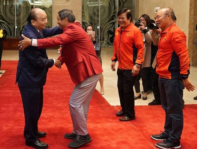Thủ tướng: Sau các cầu thủ là cả dân tộc, là bản lĩnh, khát vọng Việt Nam - 23