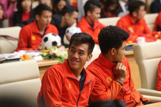 Thủ tướng: Sau các cầu thủ là cả dân tộc, là bản lĩnh, khát vọng Việt Nam - 27
