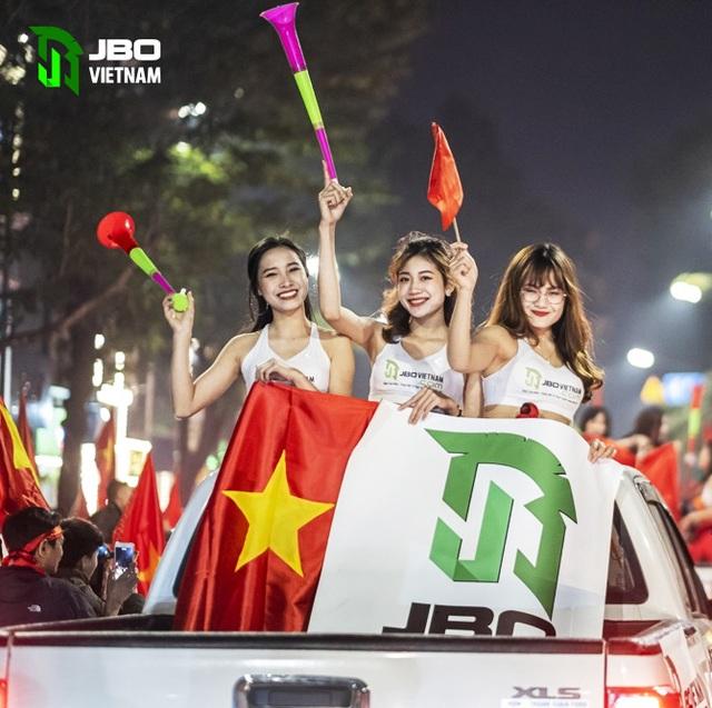 Việt Nam vô địch Sea Games: Người hâm mộ tại sân Hoa Lư và toàn Việt Nam ăn mừng lịch sử! - 4