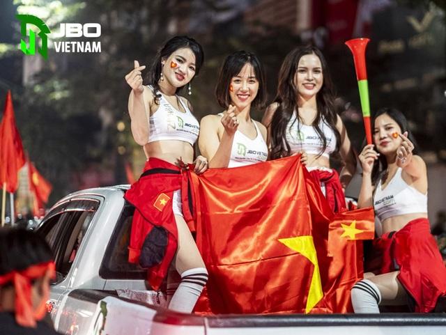 Việt Nam vô địch Sea Games: Người hâm mộ tại sân Hoa Lư và toàn Việt Nam ăn mừng lịch sử! - 5