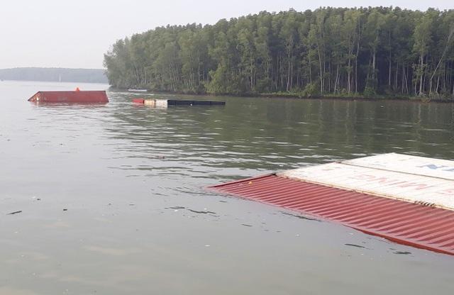 2 người hôn mê, 3 người mất tích khi trục vớt tàu chìm trên sông Lòng Tàu - 2