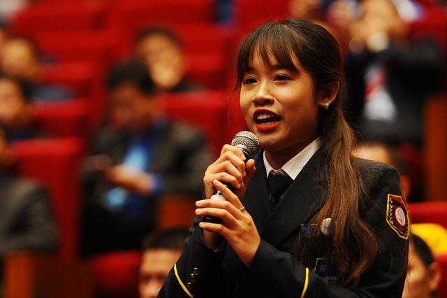 Thủ tướng khích lệ thanh niên: Hãy học tập tinh thần thi đấu hết mình của các VĐV SEA Games 30 - 4