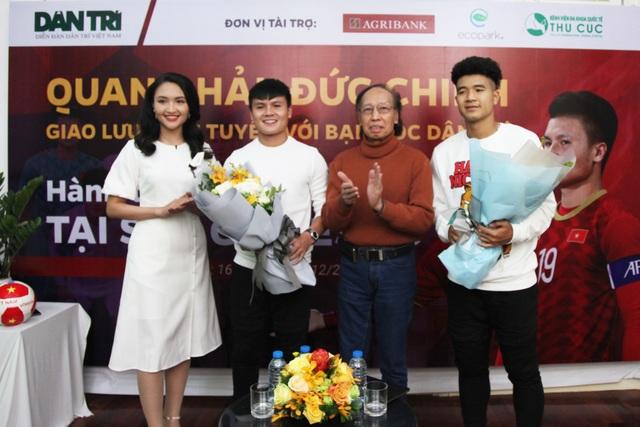 Bộ đôi Quang Hải và Đức Chinh giao lưu trực tuyến cùng độc giả Dân trí - 2