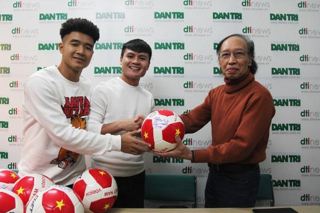 Bộ đôi Quang Hải và Đức Chinh giao lưu trực tuyến cùng độc giả Dân trí - 3