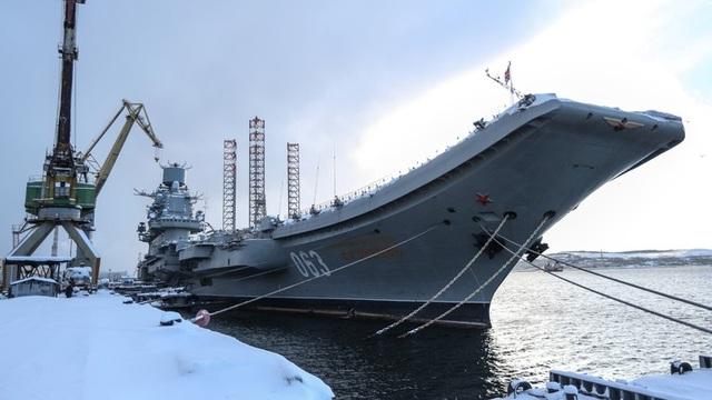 Tàu sân bay duy nhất của Nga bị cháy trong quá trình sửa chữa - 1