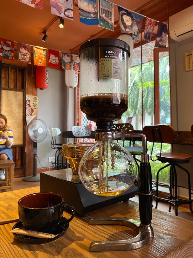 Quán cà phê kiểu Nhật.jpg