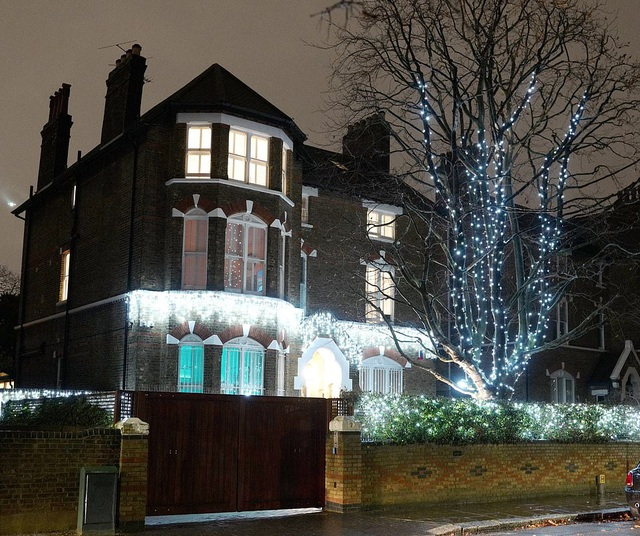 Sao trang hoàng nhà cửa lộng lẫy đón Giáng sinh - 9