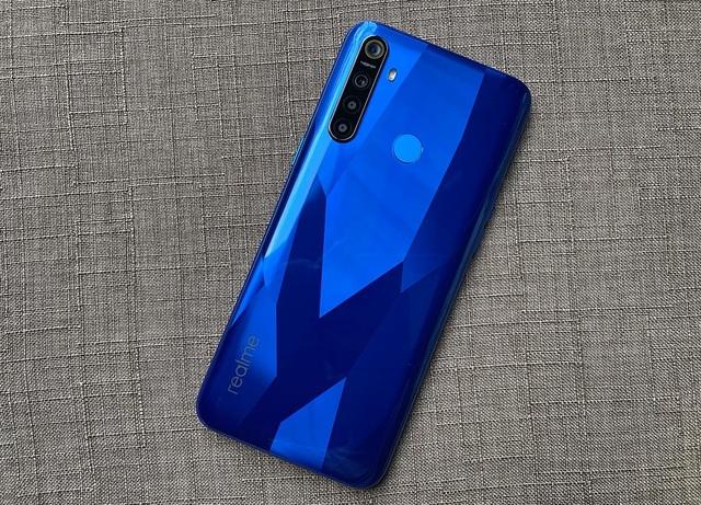 Realme bán ra mẫu smartphone pin trâu giá dưới 5 triệu đồng tại Việt Nam - 1