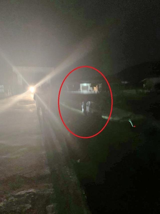 MC Vân Hugo hoảng hồn thoát chết khi xe mất lái giữa đêm - 1